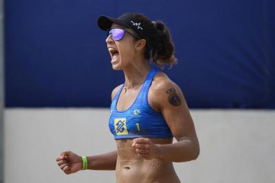 Primeira etapa feminina de 2021 tem estreia de novas duplas e desafio olímpico