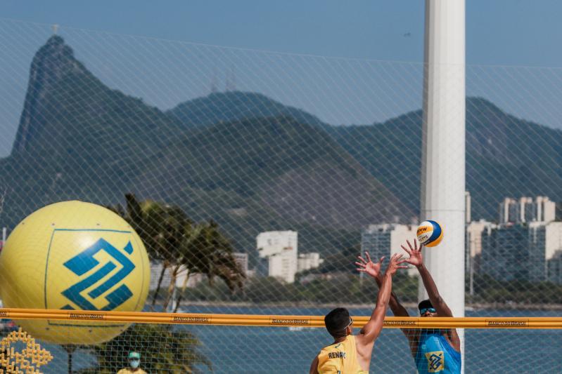 Primeira etapa tem título para Vitor Felipe/Renato e Rebecca/Talita