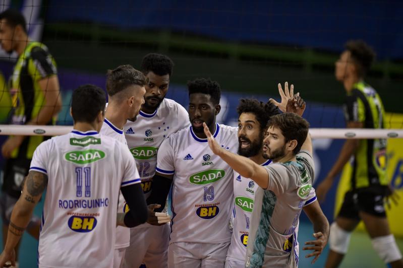 Sada Cruzeiro vence clássico contra Montes Claros América Vôlei e vai à semifinal da Copa Brasil
