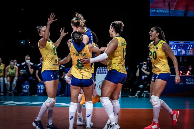 Seleção feminina derrota a Alemanha e chega a nove vitórias