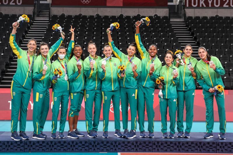 Seleção feminina fica com a medalha de prata