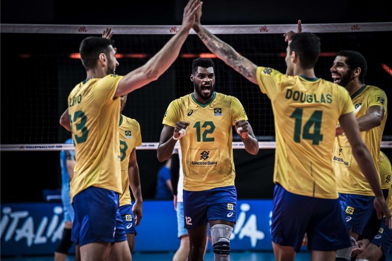 Seleção masculina abre terceira semana contra Holanda