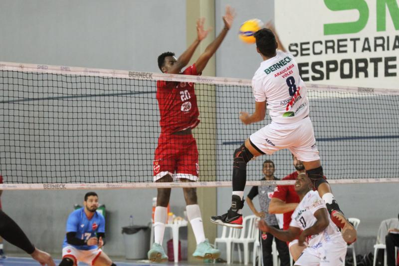 SMEL Araucária/ASPMA/Berneck supera o Vila Nova