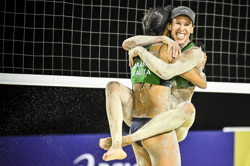 Talita e Taiana vencem duelo brasileiro e vão à final em Cancún